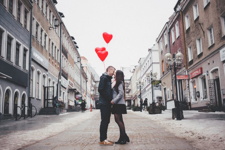 Tips for Photographing the Perfect Kiss