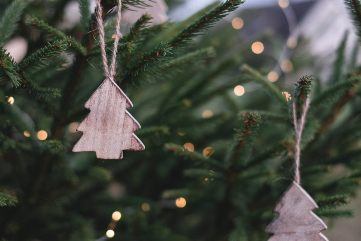 Trees, Cards And Elves – The Latest Xmas Decor Trends
